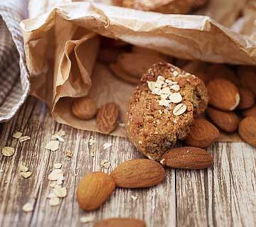 Biscuits vegan aux amandes et flocons d'avoine